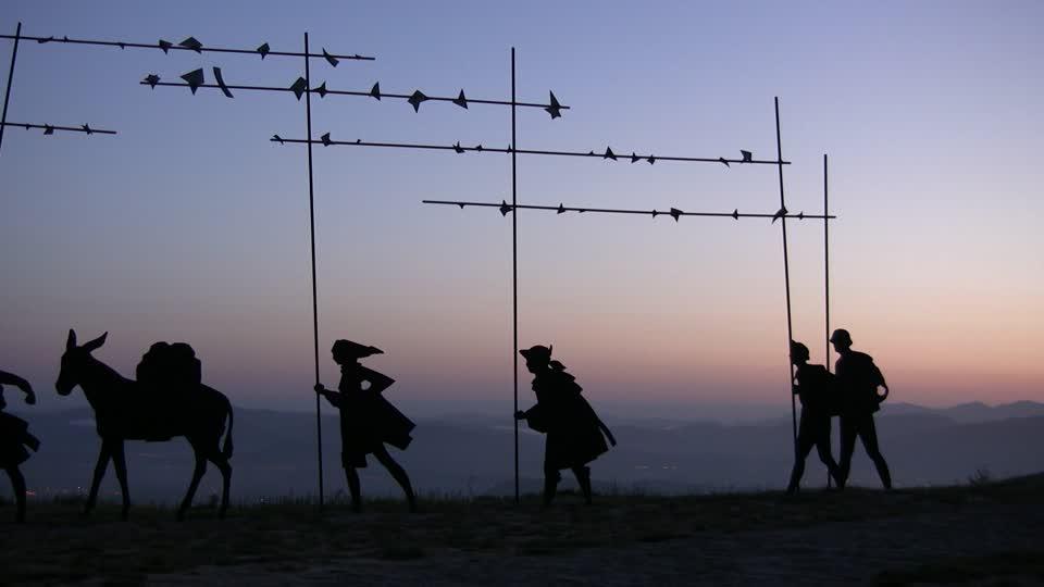 128038490-pilgrim-monument-alto-del-perdon-camino-de-santiago-pilgrimage-site